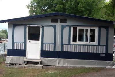 501.Tenda rigida con doppio tetto e serramenti termici