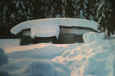 105.Copricaravan tenuta neve